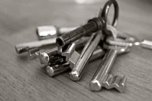 key-metal-home-security-67609.jpeg